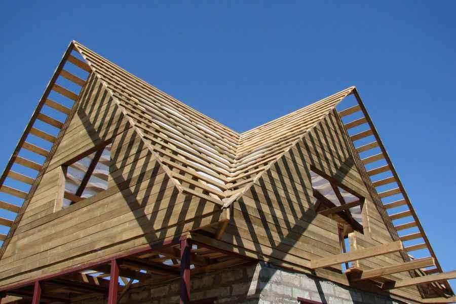 сделан через виды фронтонов двухскатной крыши фото мнение основано